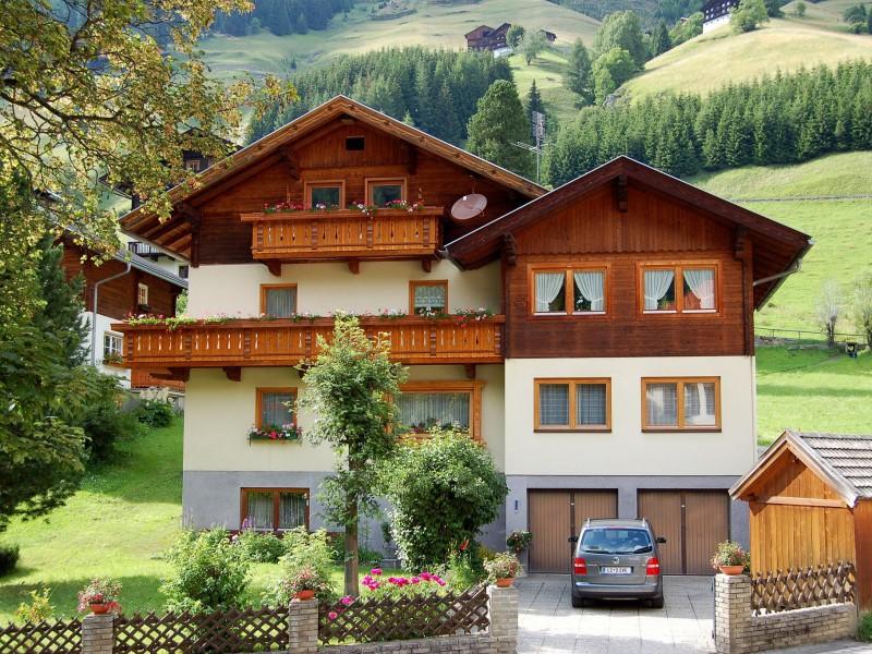 Пазл Собирать пазлы онлайн - Австрийский домик