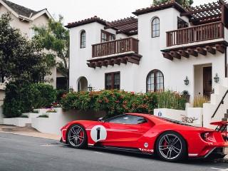 Собирать пазл Автомобиль у дома онлайн
