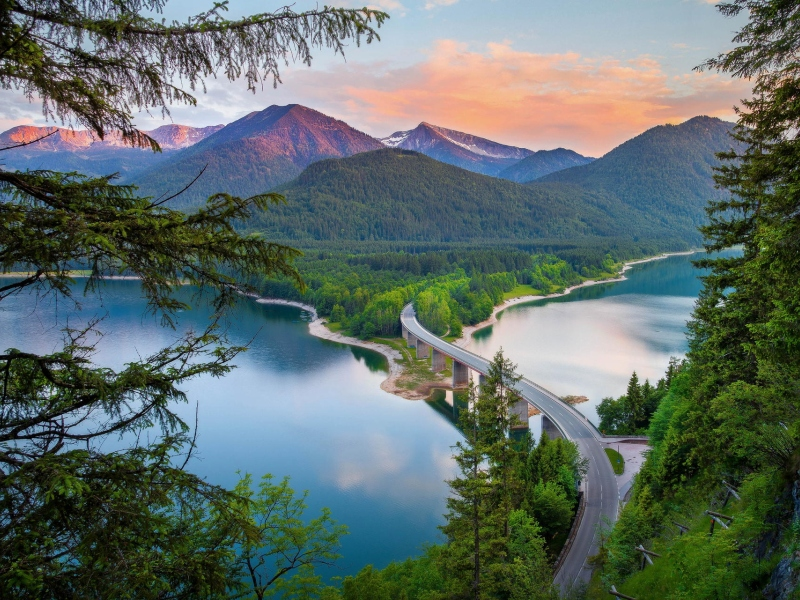 Пазл Собирать пазлы онлайн - Горы в Баварии. Германия