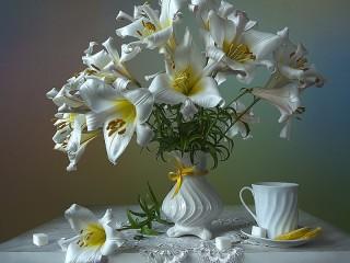 Собирать пазл Белые лилии онлайн