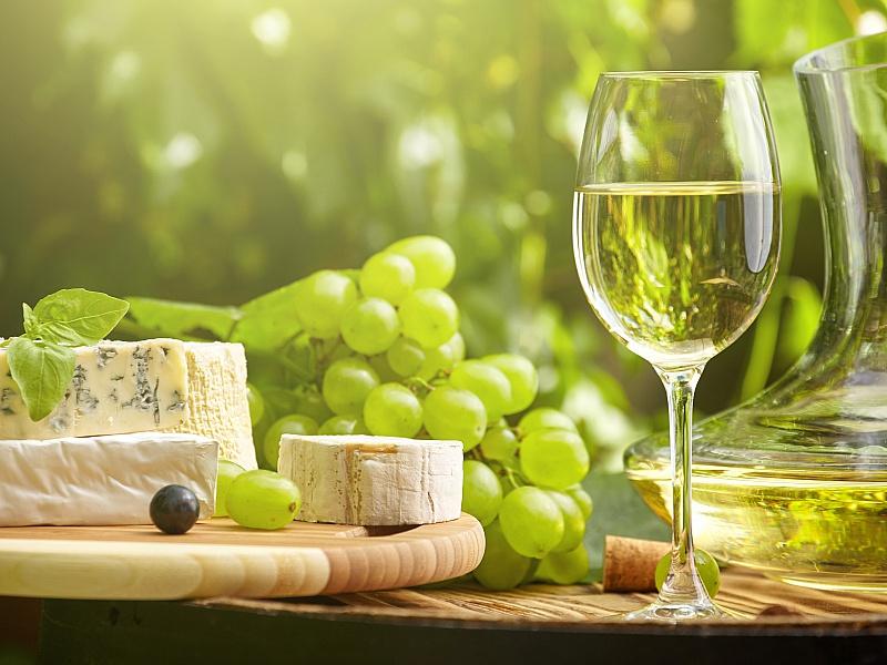 Пазл Собирать пазлы онлайн - Белое вино