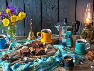 Собирать пазл Брауни и кофе онлайн