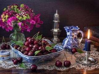 Собирать пазл Букет и ягоды онлайн