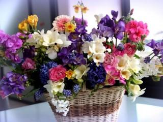 Собирать пазл Букет из разных цветов онлайн