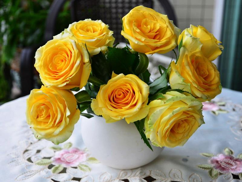 Пазл Собирать пазлы онлайн - Букет жёлтых роз