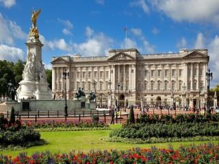 Собирать пазл Букингемский дворец  онлайн