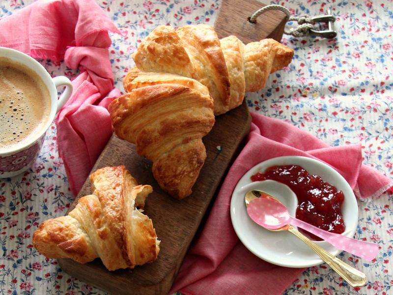 Пазл Собирать пазлы онлайн - Булочки на завтрак