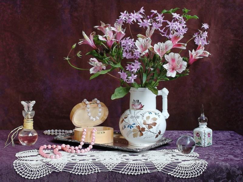 Пазл Собирать пазлы онлайн - Бусы и цветы