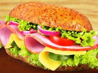 Собирать пазл Бутерброд с ветчиной онлайн