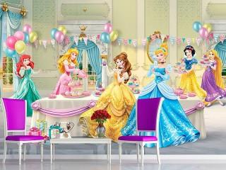 Собирать пазл Чаепитие принцесс онлайн