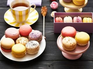 Собирать пазл Чай и макарон онлайн