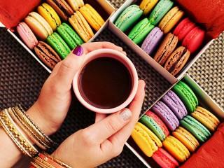 Собирать пазл Чай и пирожные онлайн