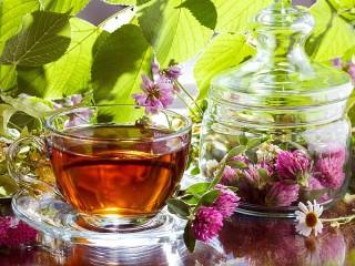 Собирать пазл Чай и цветы онлайн