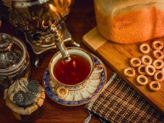 Собирать пазл Чай из самовара онлайн