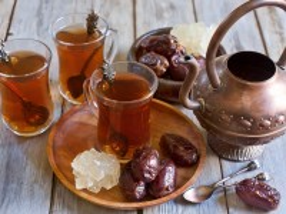 Собирать пазл Чай с финиками онлайн