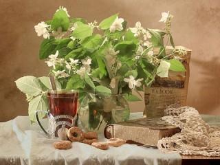 Собирать пазл Чай с жасмином онлайн
