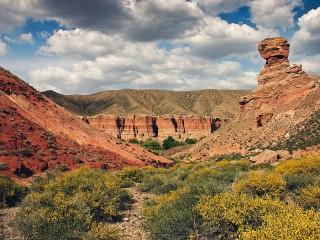 Собирать пазл Чарынский каньон онлайн