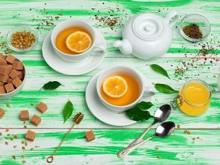 Собирать пазл Чашки с чаем онлайн