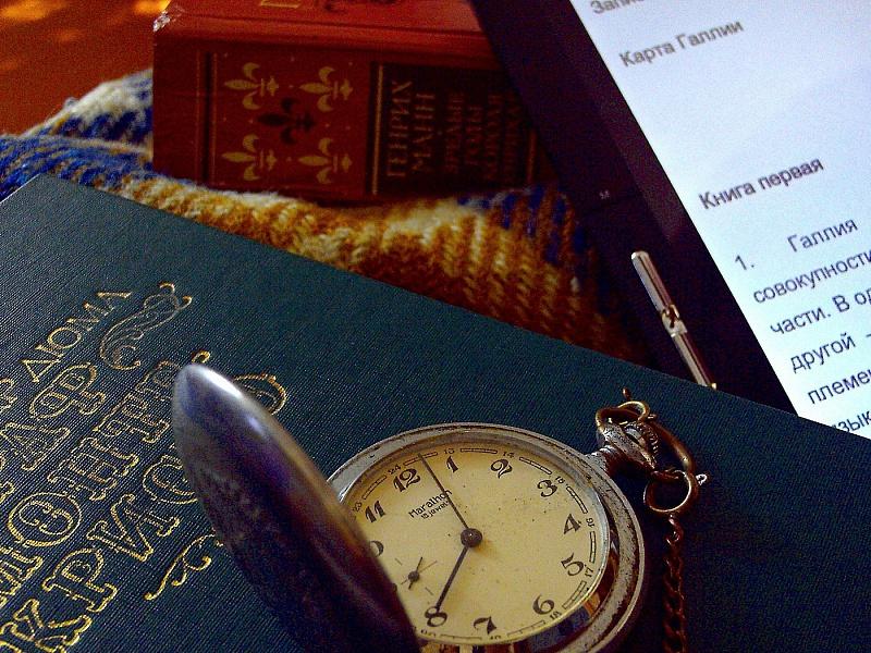 Пазл Собирать пазлы онлайн - Часы и книги