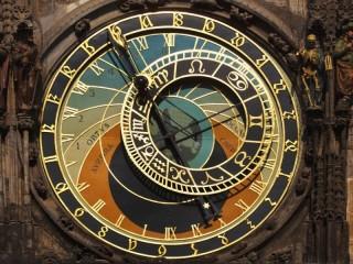 Собирать пазл Часы в Праге онлайн