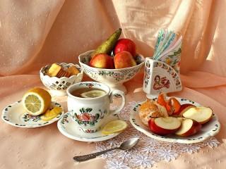 Собирать пазл Чай и фрукты онлайн