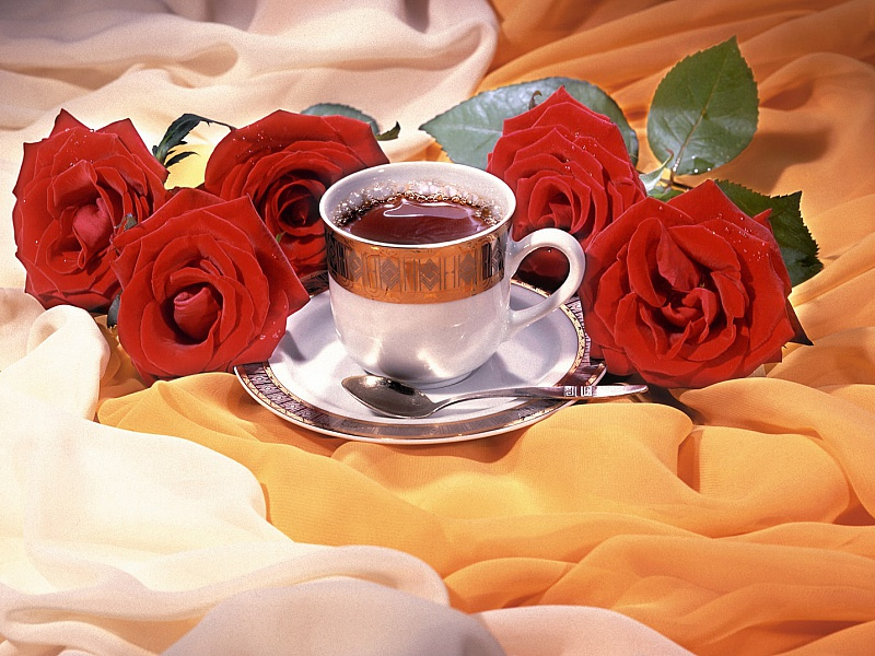 Пазл Собирать пазлы онлайн - Чай и розы