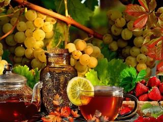 Собирать пазл Чай и ягоды онлайн