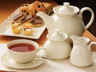Собирать пазл Чайный сервиз онлайн