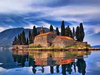 Собирать пазл Черногория онлайн