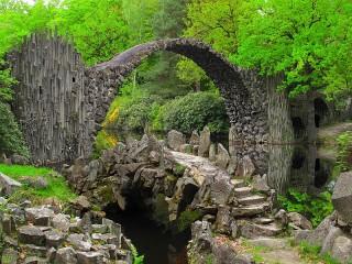 Собирать пазл Чертов мост онлайн