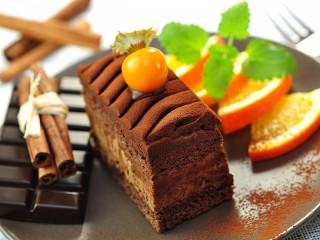 Собирать пазл Шоколадное пирожное онлайн