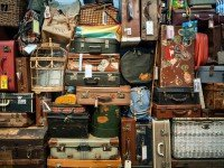 Собирать пазл Дама сдавала багаж онлайн