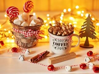 Собирать пазл Декабрьские сладости онлайн