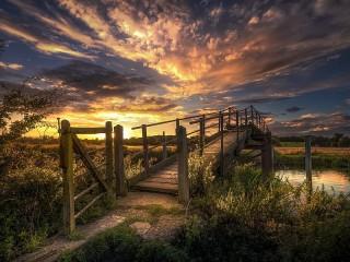 Собирать пазл Деревянный мост онлайн