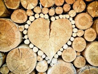 Собирать пазл Деревянное сердце онлайн