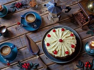 Собирать пазл Десерт к кофе онлайн