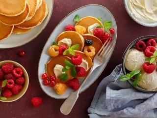 Собирать пазл Десерт с оладьями онлайн
