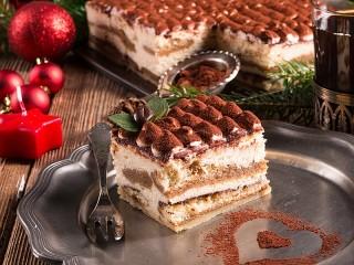 Собирать пазл Десерт тирамису онлайн