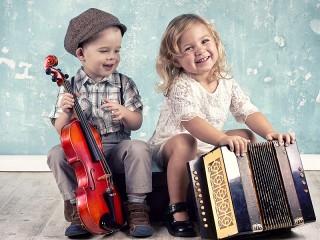 Собирать пазл Дети с инструментами онлайн