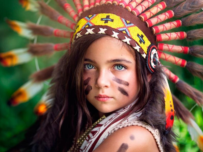 Пазл Собирать пазлы онлайн - Девочка в индейском