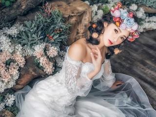 Собирать пазл Девушка-невеста онлайн