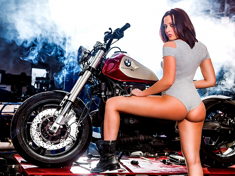 sexy-girl-motorcycle