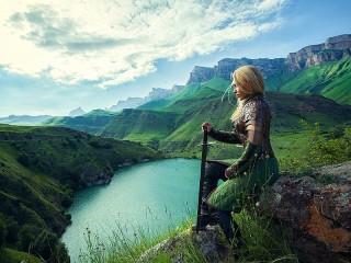 Собирать пазл Девушка над озером онлайн