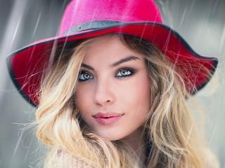 Собирать пазл Девушка под дождём онлайн