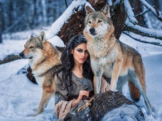 Собирать пазл Девушка с волками онлайн