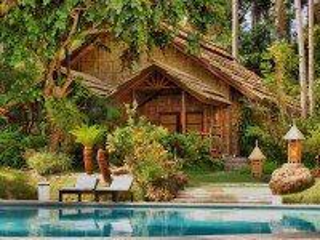 Собирать пазл Дом и бассейн онлайн
