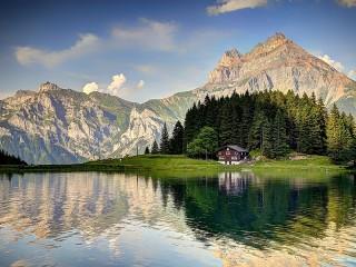 Собирать пазл Дом в горах онлайн