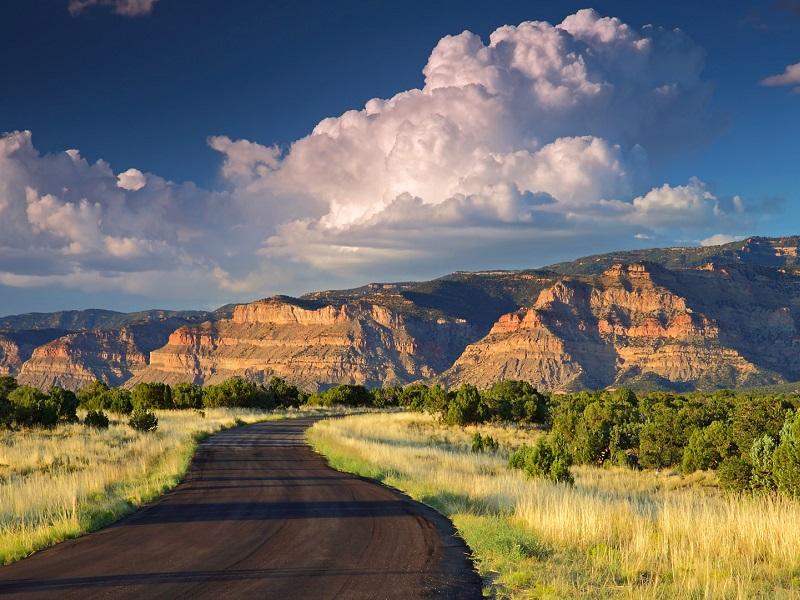 Пазл Собирать пазлы онлайн - Дорога в горы