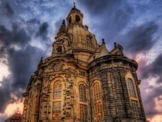 Собирать пазл Dresden Frauenkirche онлайн