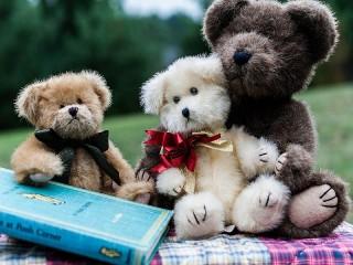 Собирать пазл Друзья детства онлайн